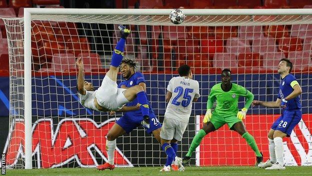 Taremi scores for Porto
