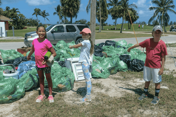 Students give families a 900lb lesson in pollution