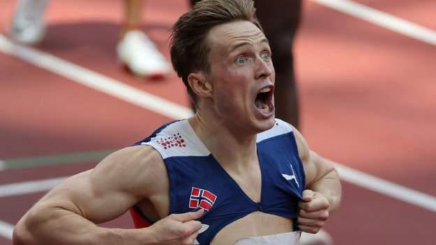 Tokyo Olympics: Karsten Warholm sets stunning 400m hurdles world record