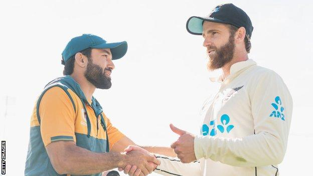 Pakistan captain Mohammad Rizwan congratulates New Zealand captain Kane Williamson after the Black Caps won the second test in Christchurch in January